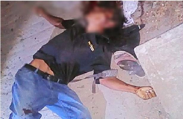 Muere albañil baleado en la puerta de su casa