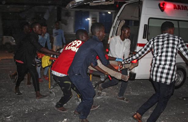 Al menos 25 muertos y 60 heridos por camión bomba en Mogadiscio, Somalia