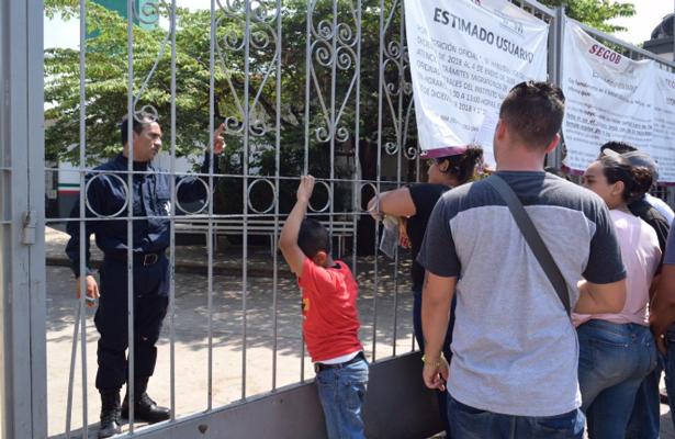 Cierra INM la frontera legal para cubanos