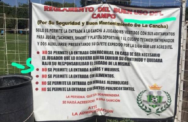 [VIDEO] Por ser mujeres les niegan acceso a campo de fútbol