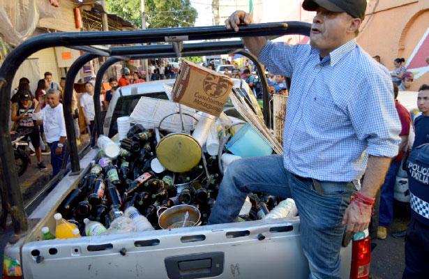 Cierran 80 chelerías irregulares en Iztapalapa