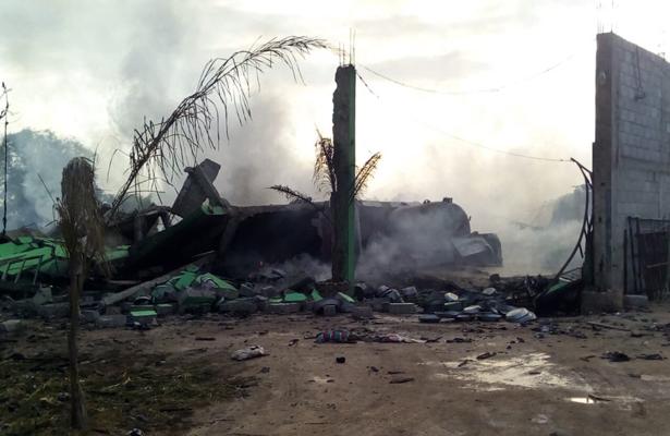 Explota bodega clandestina de huachicol en Puebla
