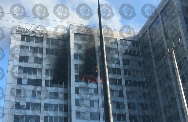 [VIDEOS] Controlado 100% incendio en edificio de Conagua: Bomberos