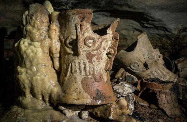 INAH redescubre Balamkú, santuario subterráneo de Chichén Itzá