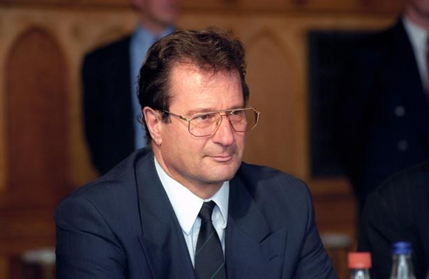 Muere el exministro alemán de Exteriores Klaus Kinkel a los 82 años