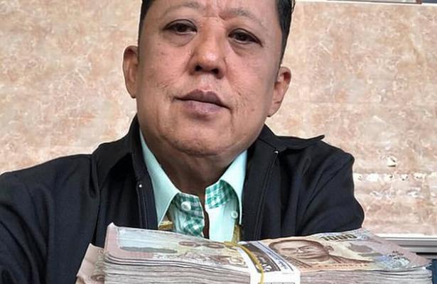 Ofrece papá 300 mil dólares para que se casen con su hija