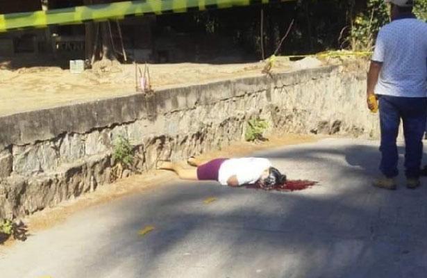A balazos terminan con la vida de una mujer en Oaxaca