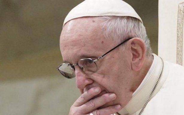 Papa Francisco acepta renuncia de cardenal acusado de encubrir pederastia en Chile