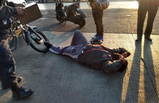 Policías Auxiliares piden ayudar para compañero accidentado