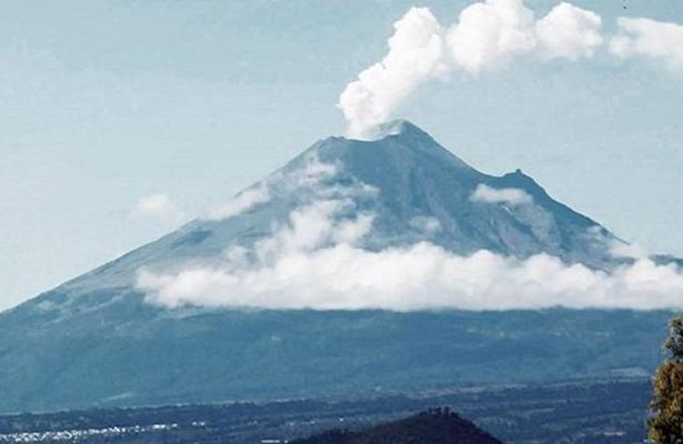 El Popocatépetl emite 61 exhalaciones de baja intensidad