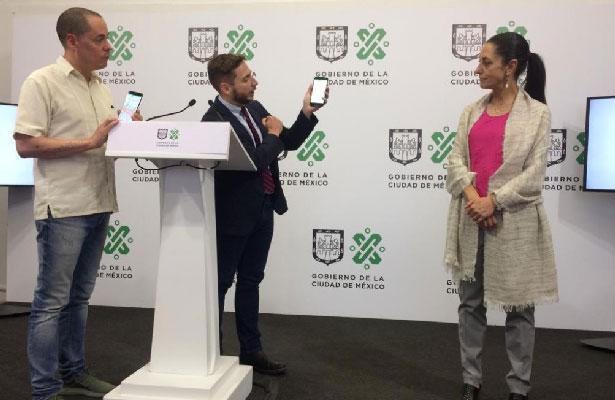 Presenta Sheinbaum a Victoria, robot virtual para atender quejas