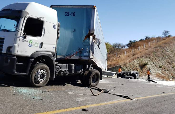 Un muerto y cinco lesionados en aparatoso accidente en la autopista Pátzcuaro – Cuitzeo