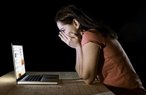 Hasta 7 años de prisión por acoso digital a mujeres: PRI