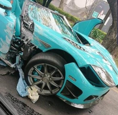 Choca auto de lujo en CDMX valorado en $30 millones