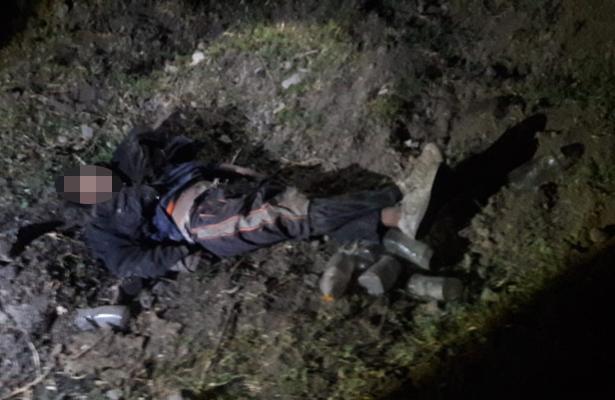 Se avienta de poste de luz, cae y pierde la vida en Chalco