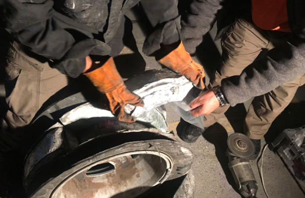 Llevaba  39 kilos de la droga cristal ocultas en rines de un auto en Nuevo León