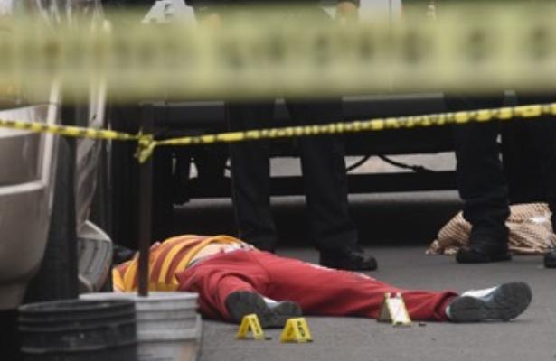 Asesinos a bordo de un taxi acribillan a hombre en la G.A.M.