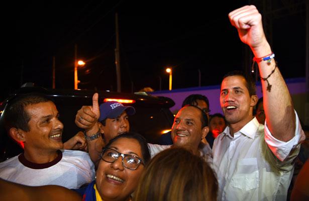 Anuncia Guaidó su regreso a Venezuela y convoca a movilizaciones
