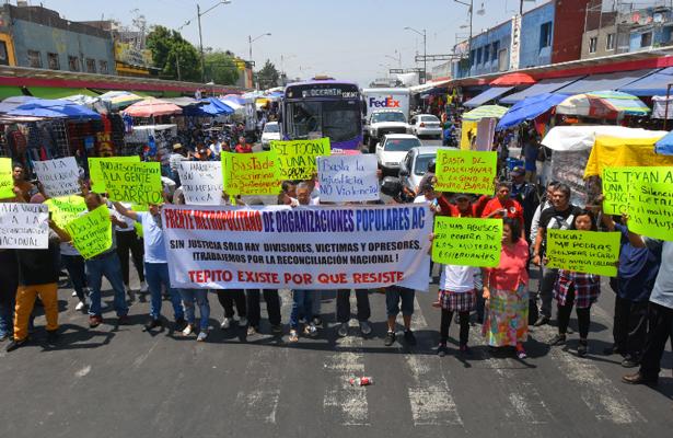 Comerciantes de Tepito y Lagunilla bloquean la circulación en protesta por agresiones policiacas