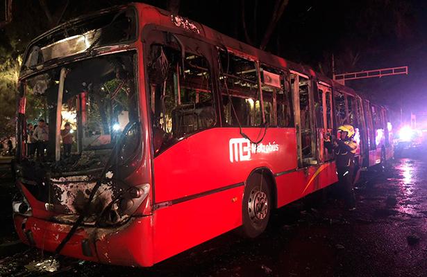 Se incendia el metrobús esta noche