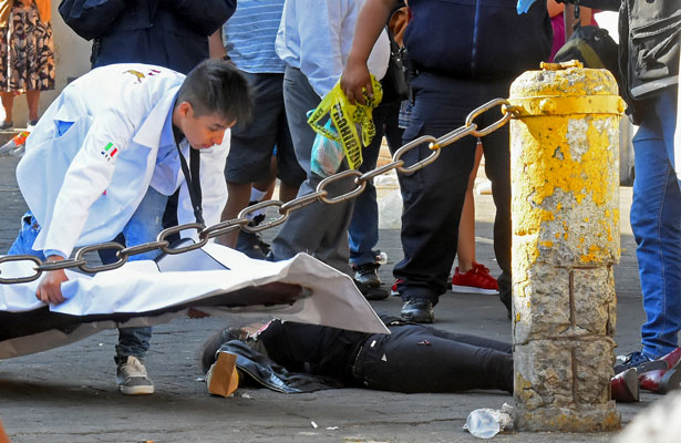Sangrienta convivencia frente a Iglesia de Tecamachalco