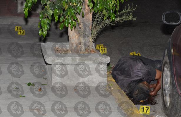 Lo asesinan de 19 balazos en Tlanepantla