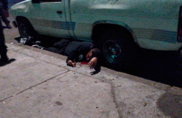 Asesinan a comerciante frente a su esposa en la Santa María La Rivera