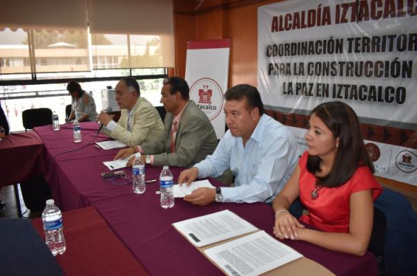 Resultado de imagen para Firmó Iztacalco el Programa para el Fomento y Mejoramiento de los Mercados Públicos por 25 millones de pesos