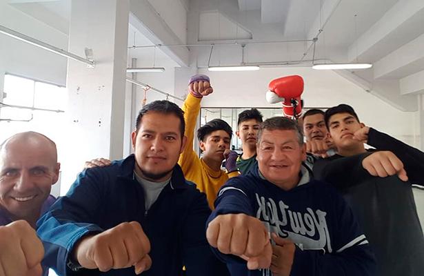 El excampeón Lupe Merino saca la cara por el deporte en Ecatepec