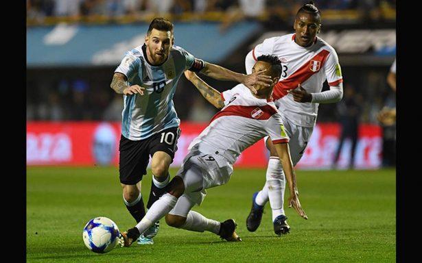 Argentina por poco se queda sin Mundial tras empate con Perú