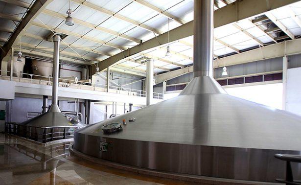 Pro medio ambiente: Cuauhtémoc Moctezuma-Heineken reduce uso de agua para crear cerveza