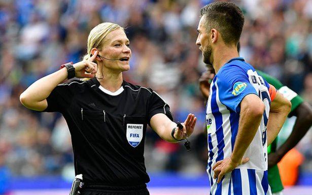 Conoce a Bibiana Steinhaus, la primera mujer en pitar un juego de Bundesliga