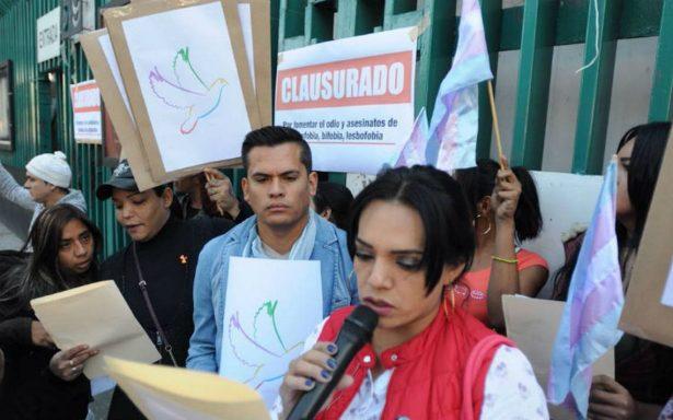 """Comunidad LGBTTTI exige al PRI disculpa pública por grito """"eehh p&%o'"""