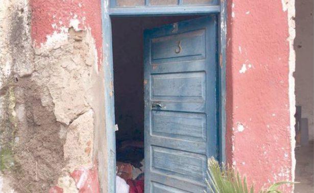 Rescatan a 4 niños encerrados en casa abandonada