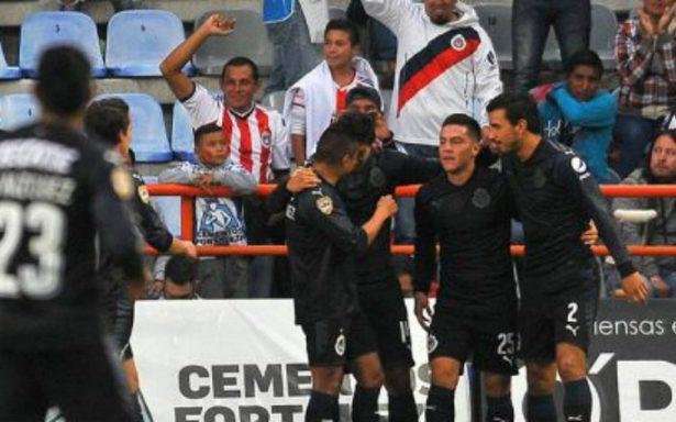 ¡POR FIN! Chivas despertó en Pachuca y ya ganó en el Apertura