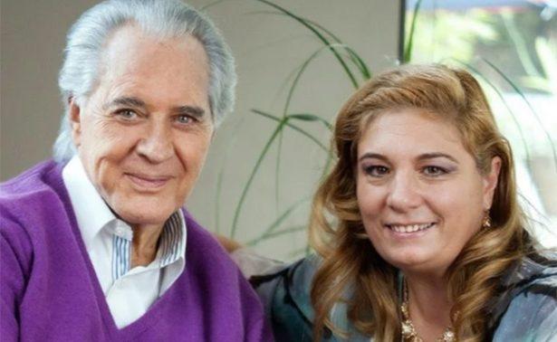 Esposa de Rogelio Guerra suspende las terapias del actor