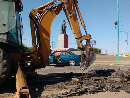 Continúa reparación de asfalto en Francisco Zarco