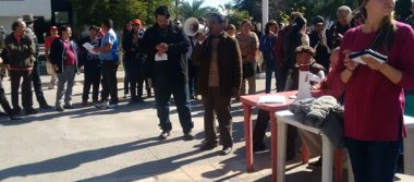 Manifestación toma fuerza en palacio de gobierno de Mexicali