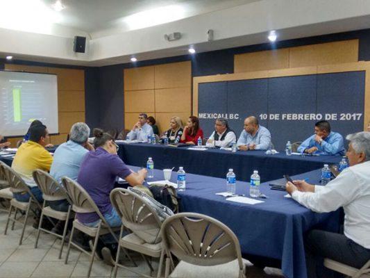 Continúan mesas de trabajo manifestantes con autoridades municipales