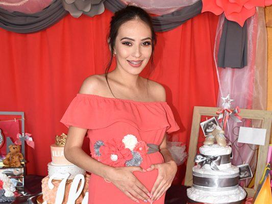 Naily Jonairy Alvarado espera a su primer bebé