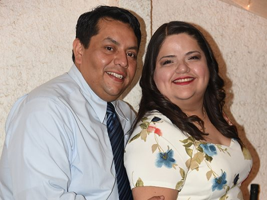 Se comprometen en matrimonio Victoria Jazmín y Luis