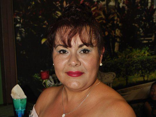 Felicitan a Minelia Vázquez