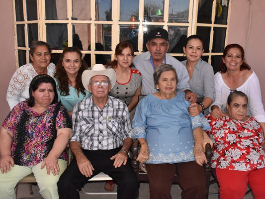 Los Domínguez festejan a las mamás