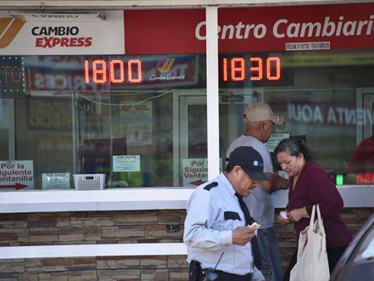 """""""Subibaja"""" del peso es por especulaciones"""