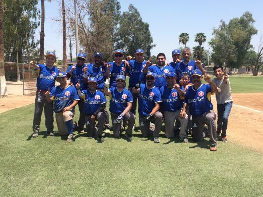 Médicos festeja el campeonato