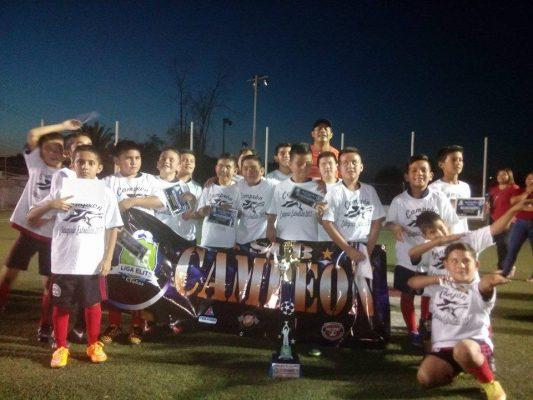 Lobos de Villas Colorado promueven entrenamientos de futbol
