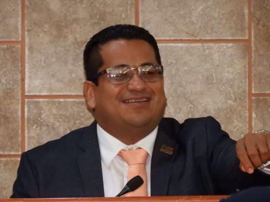 Eligen a Édgar Gómez como presidente del Congreso