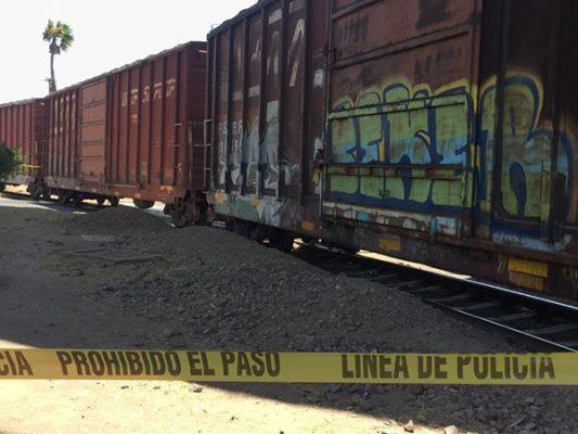 Migrante muere al caer en las vías del tren