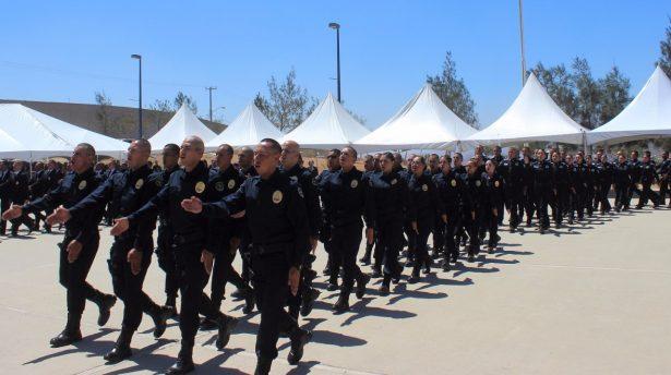Se han graduado 1,884 policías en la actual administración