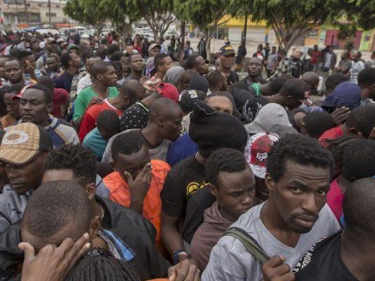 Miles de haitianos en riesgo de deportación